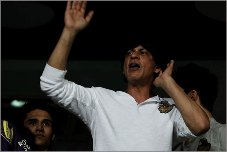 Shah Rukh Khan tweets about his KKR Cheergirls