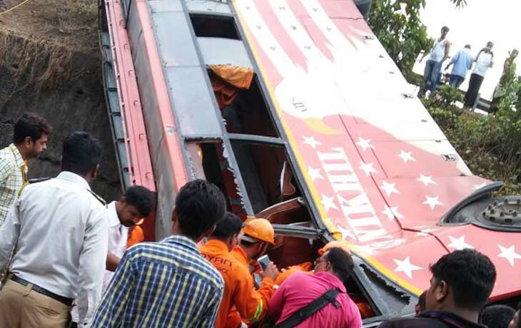 Mumbai-Pune expressway Accident 17 Dead, 33 injured