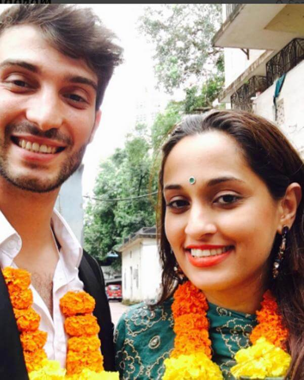 Indian Singer Shweta Pandit get married to Ivano Fucci (1)