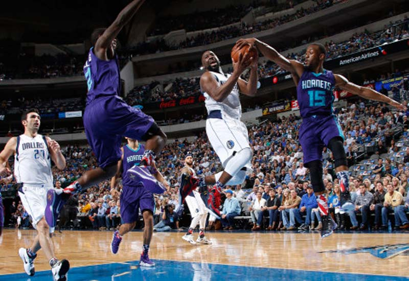 Dallas Mavericks vs Charlotte Hornets Live Streaming NBA 2016-17 Info.