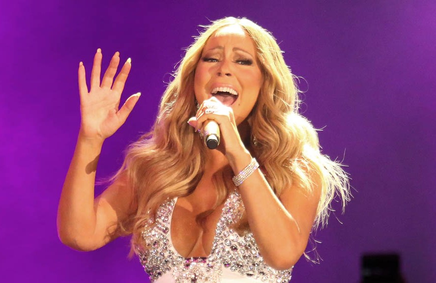 Mariah Carey suffers New Year's Eve lip sync fail in Times Square