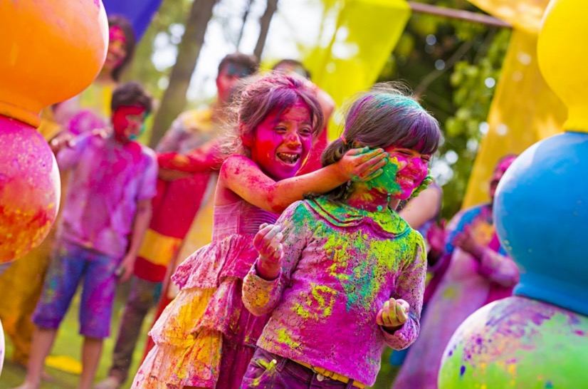 holi children celebrating image
