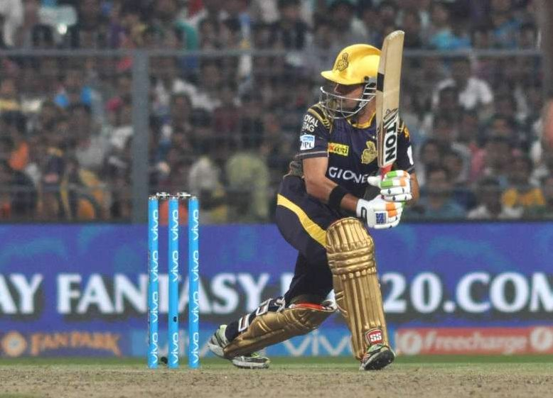 Frugal Narine helps put KKR one step closer to final