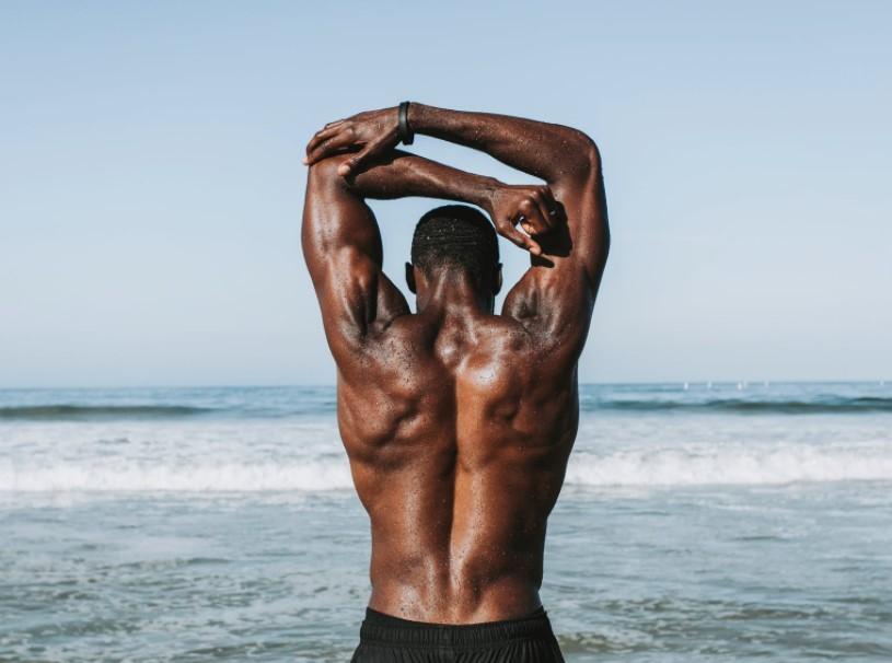 Majed Alhamad révèle cinq exercices qui peuvent aider à soulager les douleurs lombaires   – abdomino