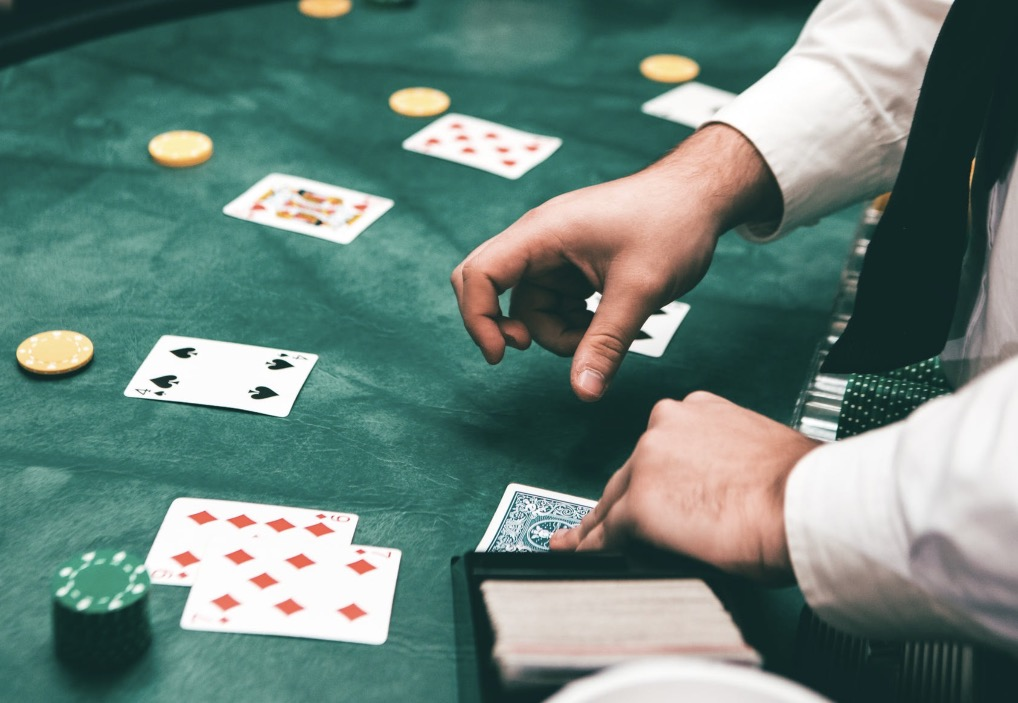 12 Advanced Online Poker Tips Used By Pros In 2020